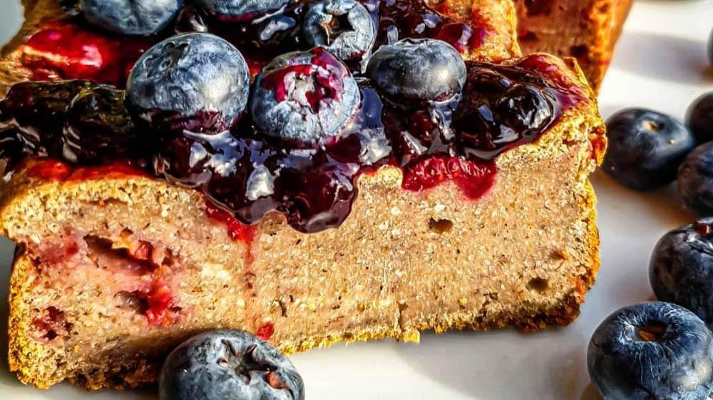 Ricetta Vegan Loaf con Lamponi e Mirtilli